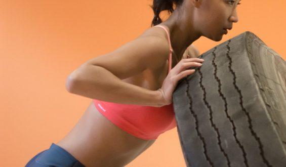 Jak stosować suplementy diety – dni poza treningami